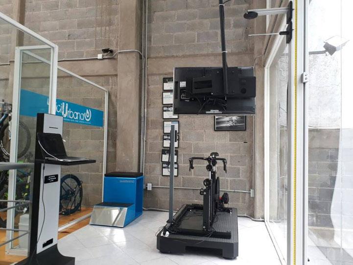 Laboratorio de Bikefitting.com de Shimano en LBU Bike Store Patriotismo