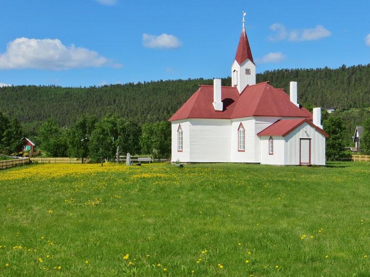 Die älteste Holzkirche der Finnmark in Karasjok, erbaut 1807.