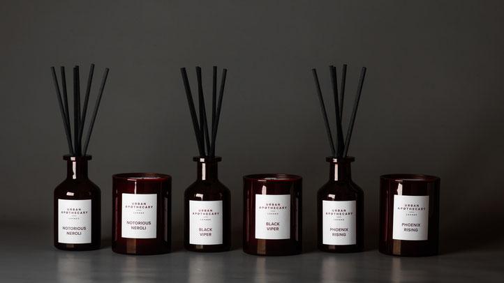 Entdecken Sie die spannenden Düfte von URBAN APOTHECARY. Ob Duftkerze oder Duftdiffuser, erleben Sie Ihr persönliches Duft-Erlebnis. Luxuskerze   Duftkerze   Duft-Diffuser   Parfum   Online-Shop   PRETTY PRETTY