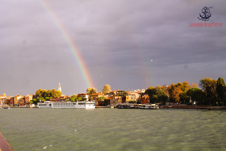 Lächelnde Kreuzfahrer laechelndekreuzfahrer Venedig Venice seadventure Regenbogen Auslaufen Kreuzfahrt AIDA AIDAblu cruise