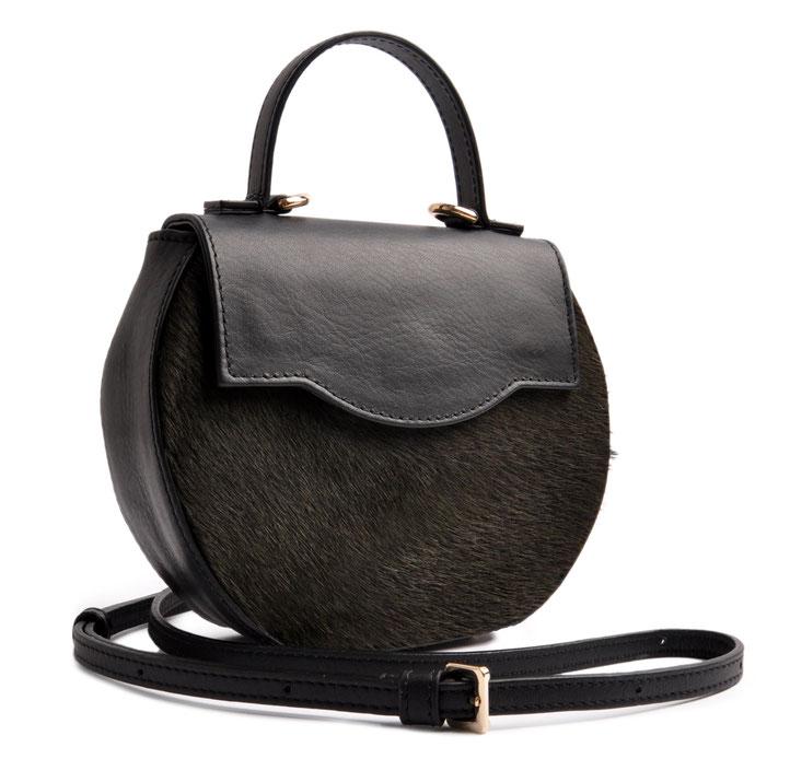 Dirndltasche aus schwarzem Leder, edle Trachtentasche, Handgearbeitet OSTWAWLD Traditional Craft