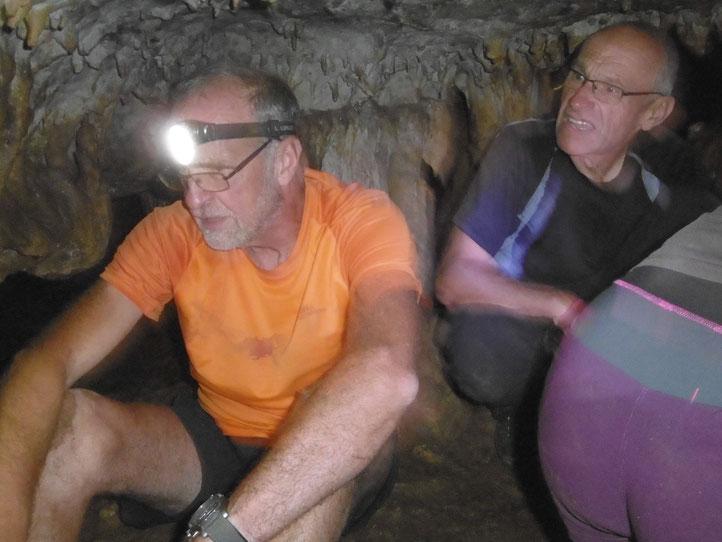 notre souplesse mise à rude épreuve - dans la grotte de la Pale