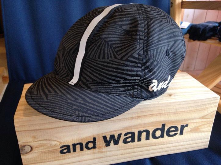 and wander(アンドワンダー)reflection wave cap ¥12,960(税込)
