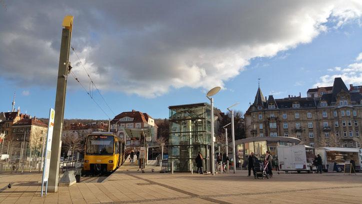 """От соседней с  Эрвином Marienplatz отходит знаменитый """"зубастый"""" поезд на шестерёнках Zacke"""