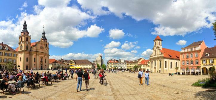 Как и во многих небольших городах, на главной площади Людвигсбурга обосновались кафе