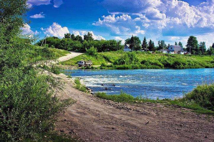 По весне перебраться на другую сторону Дона невозможно из-за разлива реки