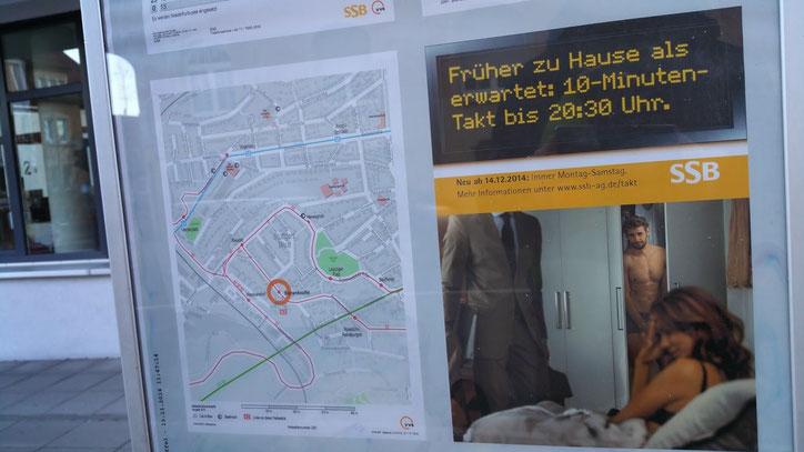 """Реклама транспорта Штутгарта: """"Быть дома раньше, чем этого ожидают: 10-минутный такт до полдевятого вечера"""""""