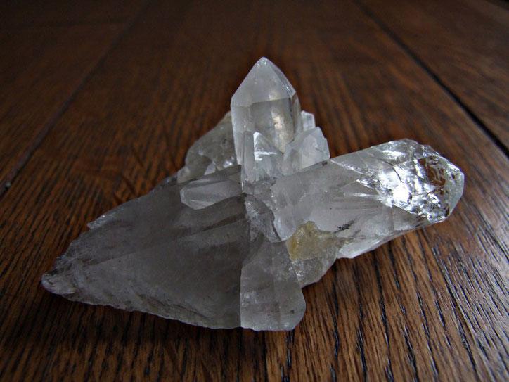ヒマラヤ水晶のクラスターです