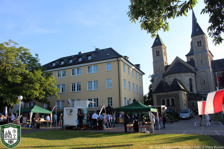 Links das Gebäude des ehemaligen Josephsklosters. Bild: Petra Büchel