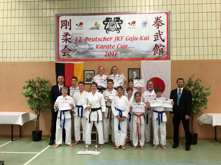 Unser erfolgreiches Team bei der Karate-DM des German JKF Goju Kai mit beiden Trainer Hagen und André