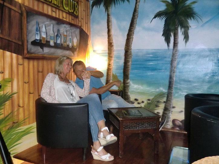 Cocktailbar mit Beach Club Ecke