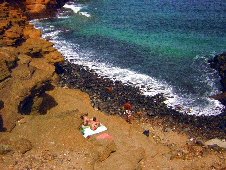 Sonnen in den Felsen