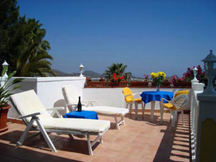 Enspannung und Urlaub auf der Terrasse der Urlaubsvilla auf den Kanaren