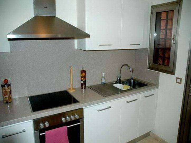 voll ausgestattete Küche mit allem was man zum kochen braucht