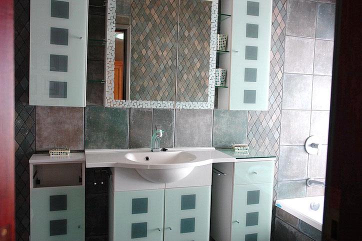 Rollstuhl gerechte Dusche im Bad 2