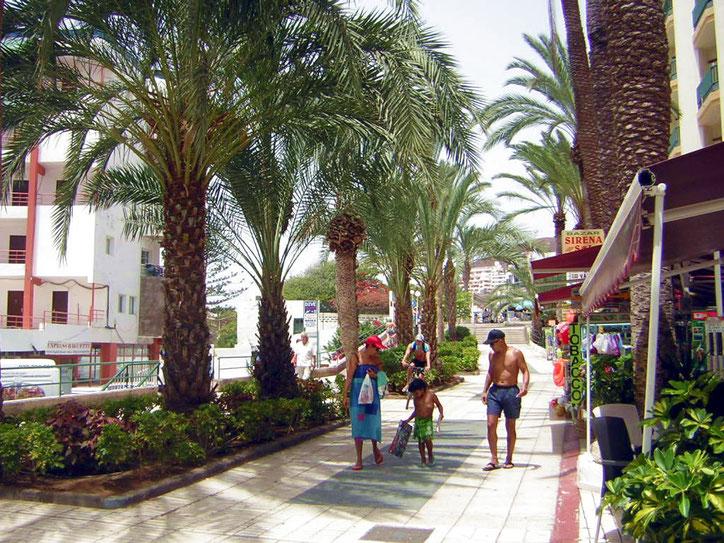 Promenade am Hafen