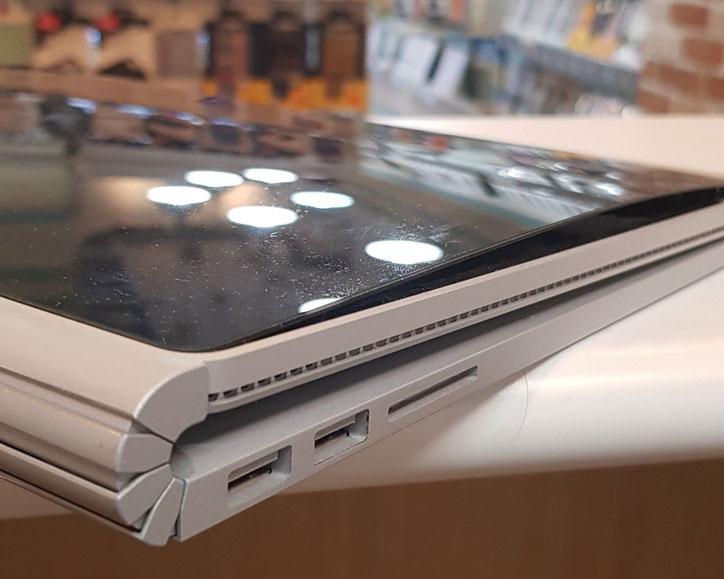 surface bookバッテリー膨張でディスプレイの浮き
