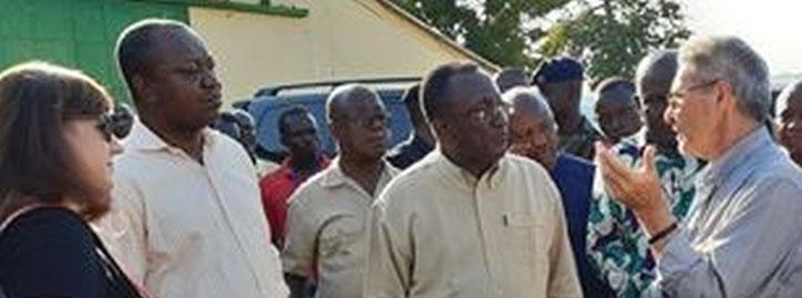 Im Gespräch mit Ghanas Landwirtschaftsminister Owusu Afriyie Akoto (zweiter von rechts).
