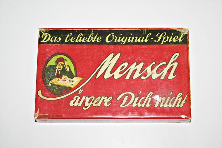 """""""Mensch ärgere Dich nicht"""" in der auf alt getrimmten Version"""