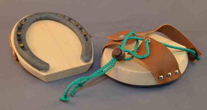 Horse-Hopper- Schuh von oben und unten mit Hufeisen