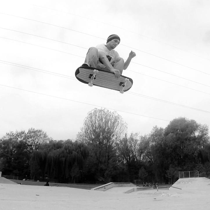 """hermanns skateboard 8'50"""""""