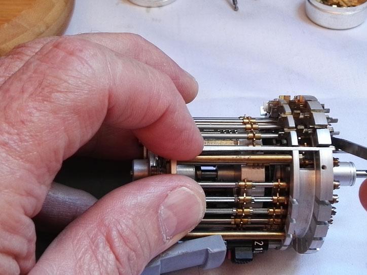 Extraction d'un mécanisme de retenues de compteur de tours