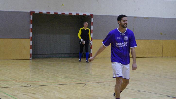 Peter Csizmazia (Gelb) machte ein gutes Spiel im Violetten Tor und Mirsad Osmic traf 5 Mal gegen Grün-Weiß!