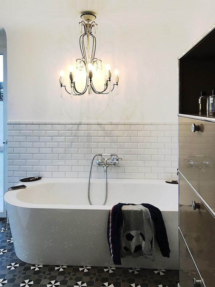 Badgestaltung  - Badplanung MADEJA e.K. VIA Zementfliesen Boden , Metro Fliesen Kemmler , Bette Badewanne , AXOR Armatur