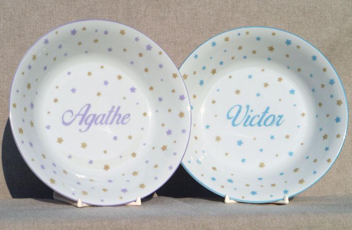 Assiette de naissance à étoiles en porcelaine avec prénom