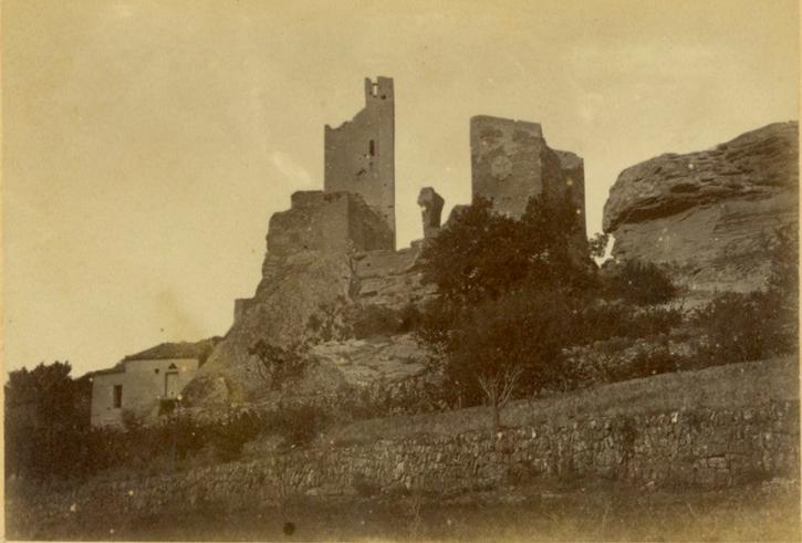 Carte postale datée de 1872 présentant les deux donjons