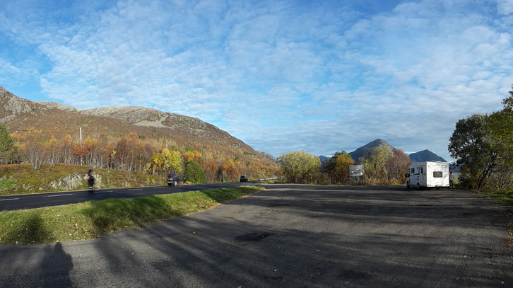 Rastplatz_Norwegen_Hund_Wohnmobil