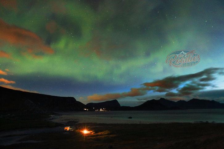 Haukland Beach_Lofoten_Wohnmobil_Norwegen_Hund_Nordlichter_Polarlichter