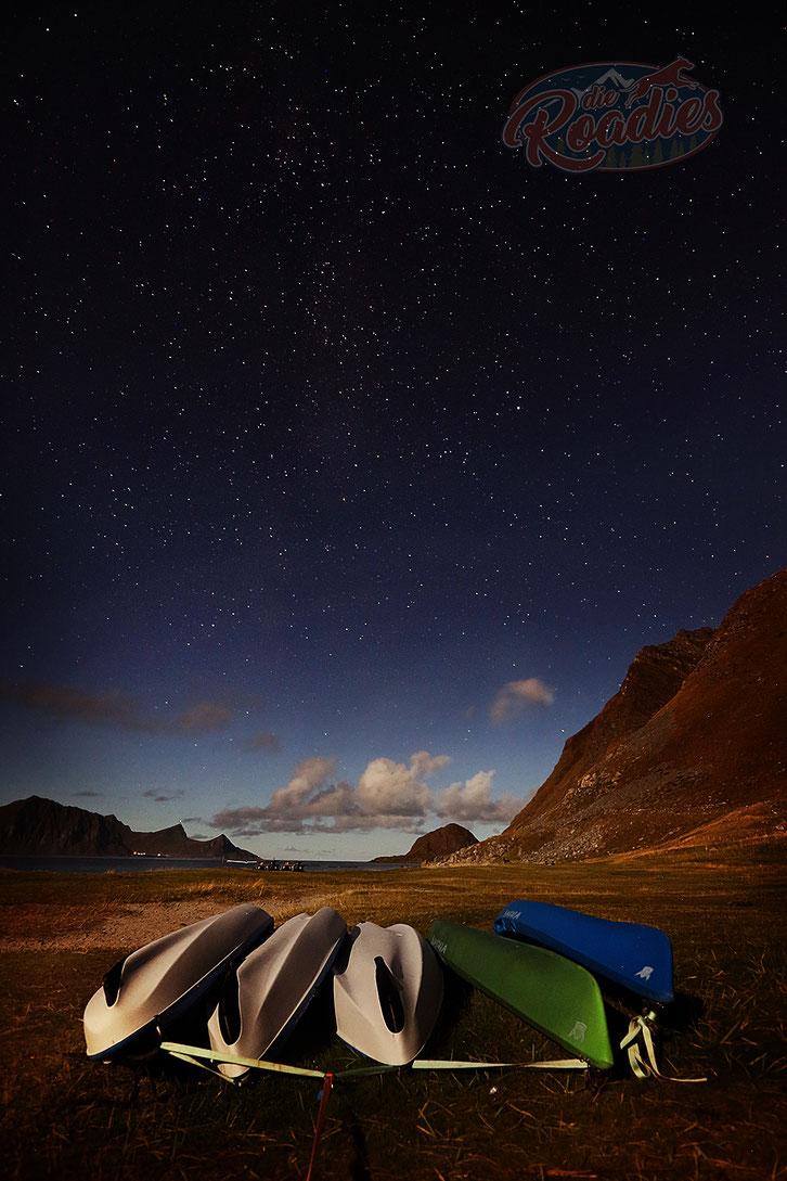 Nachtaufnahme_Sterne_Sternenhimmel_Langzeitbelichtung_Norwegen_Lofoten