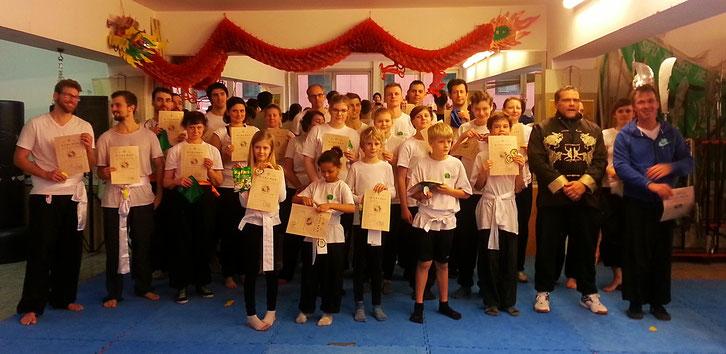 Prüfung in der Kung fu Schule Jing Wu November 2017 mit 30 Kung Fu Prüflingen