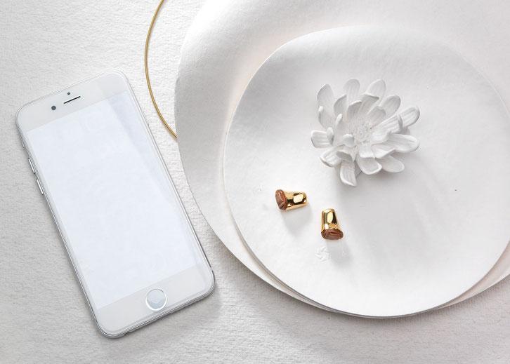 Auch das ist bei uns möglich! Winzige Im-Ohr-Systeme mit edler, antiallergischer Goldbeschichtung