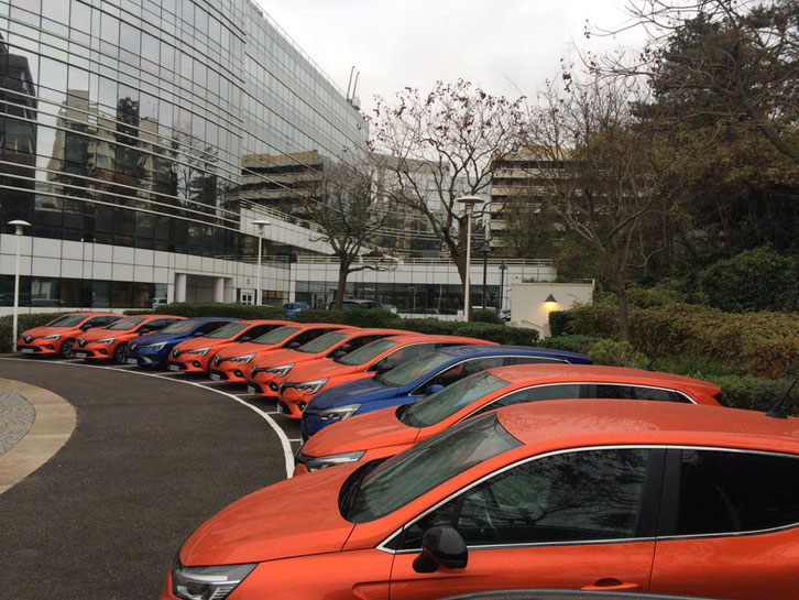 RENAULT EMPLOYEE TESTS NEW RENAULT CLIO - Ile de France - October to December 2019