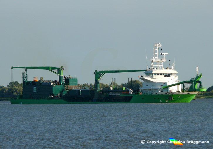 Hopper Bagger SCHELDT RIVER der Reederi DEME Group, Elbe 04.07.2018
