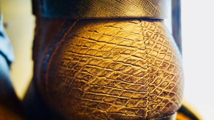 Stiefelette Damen Detail der Fersenkappennaht