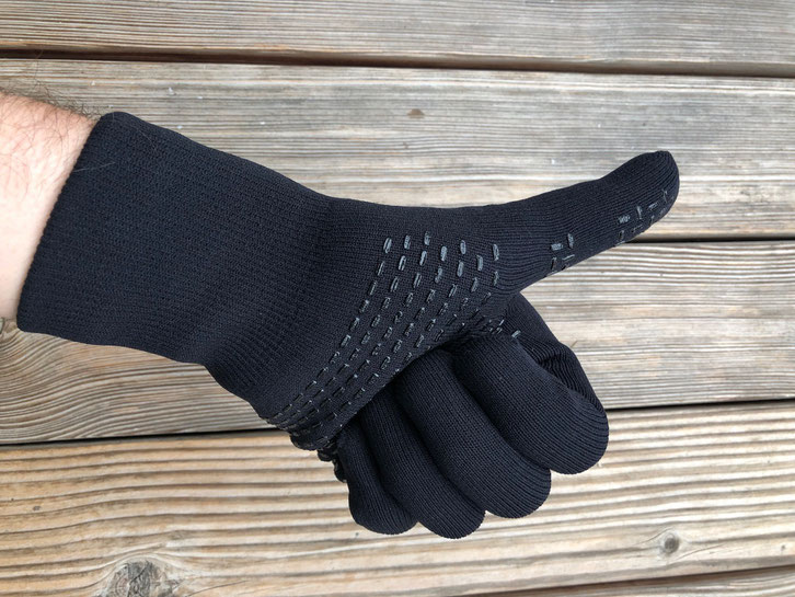 showers pass crosspoint knit waterproof gloves