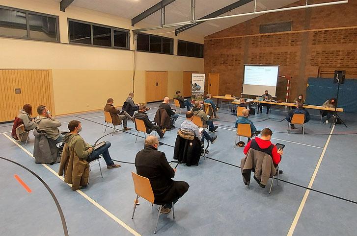 Gemeinderatssitzung Corona konform in der Gemeindehalle