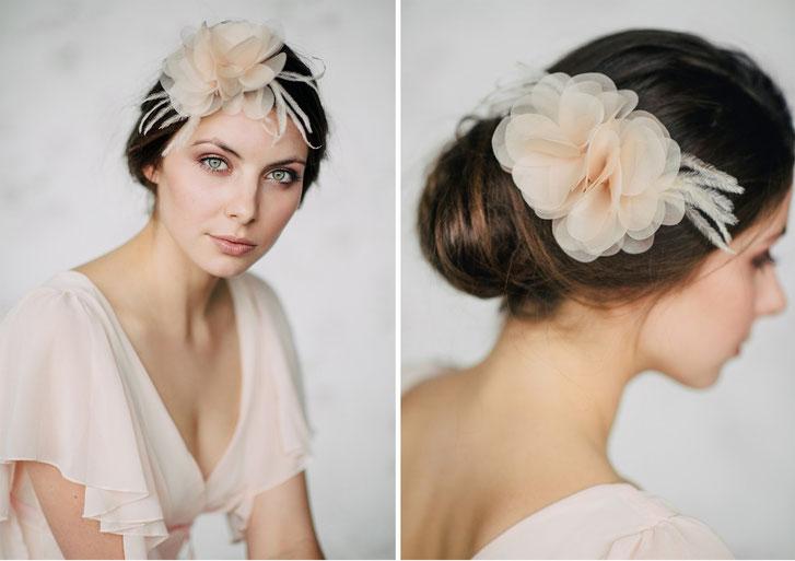 Braut Fascinator Haarschmuck in Pastell Apricot für Standesamt oder Kirchliche Hochzeit 2019 Brauthaarschmuck Kopfschmuck
