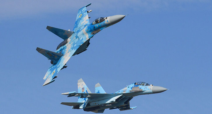 Su-27 fighter jets are capable of carrying R-33 and R-37 air-to-air missiles.