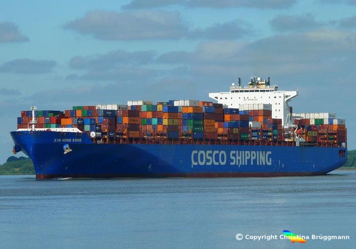 COSCO SHIPPING Containerschiff XIN HONG KONG auf der Elbe 04.07.2018