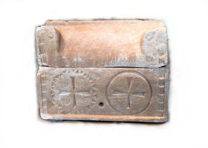 Reliquiar in Sarkophagform, Gipsstein, 5./6. Jahrhundert, Museum für Byzantinische Kunst Berlin
