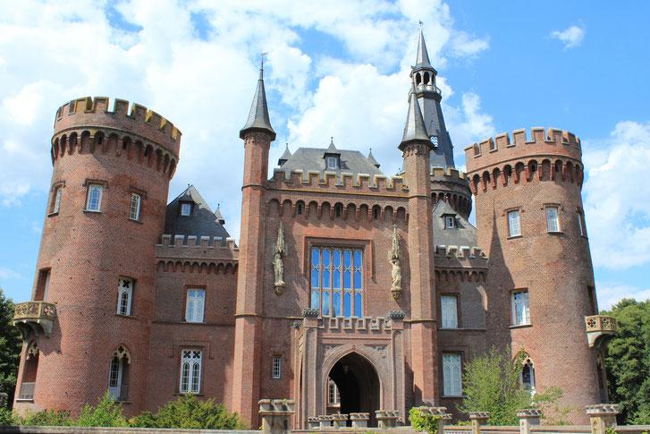 Wasserschloss Moyland bei Bedburg-Hau im Kreis Kleve am Niederrhein