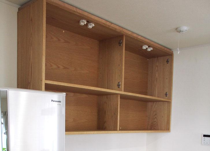 キッチン壁面収納(鎌倉市・M様邸)吊戸棚の取り付け工事