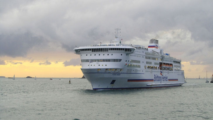 Pont-Aven arriving in Saint-Malo.