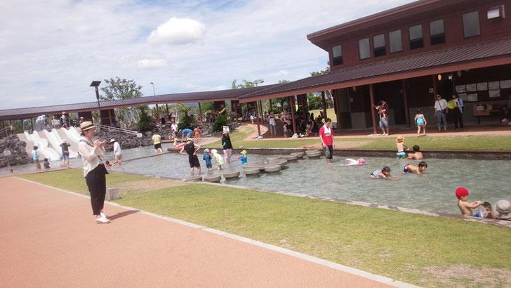噴水プール写真