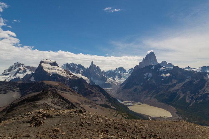 Loma del Pliegue Tumbado: einer der schönsten Panoramablicke von Chaltén