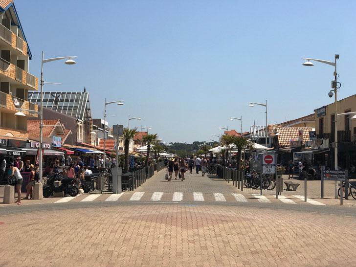 Main street, Lacanau Plage
